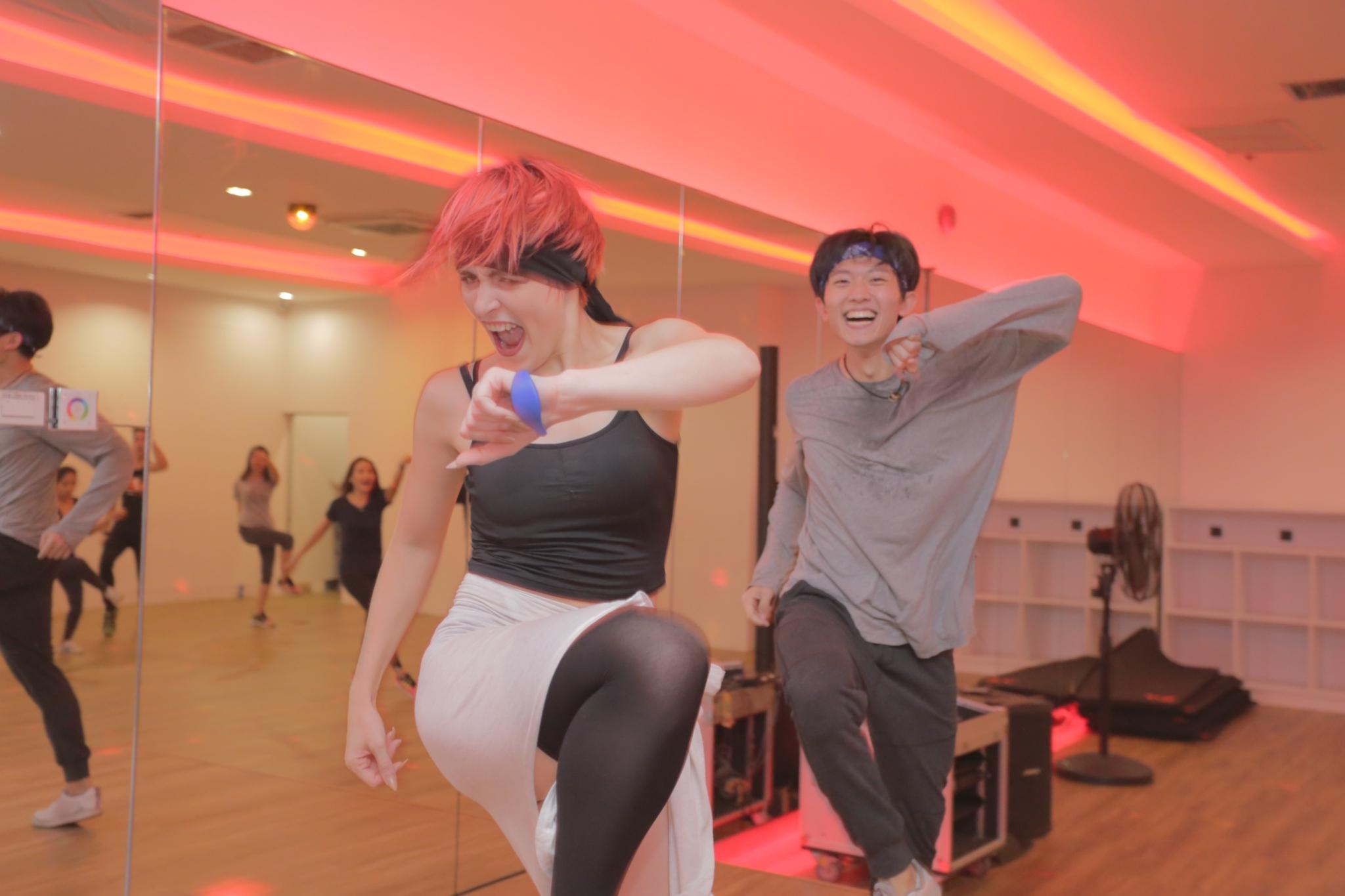 WE Duo fit dance