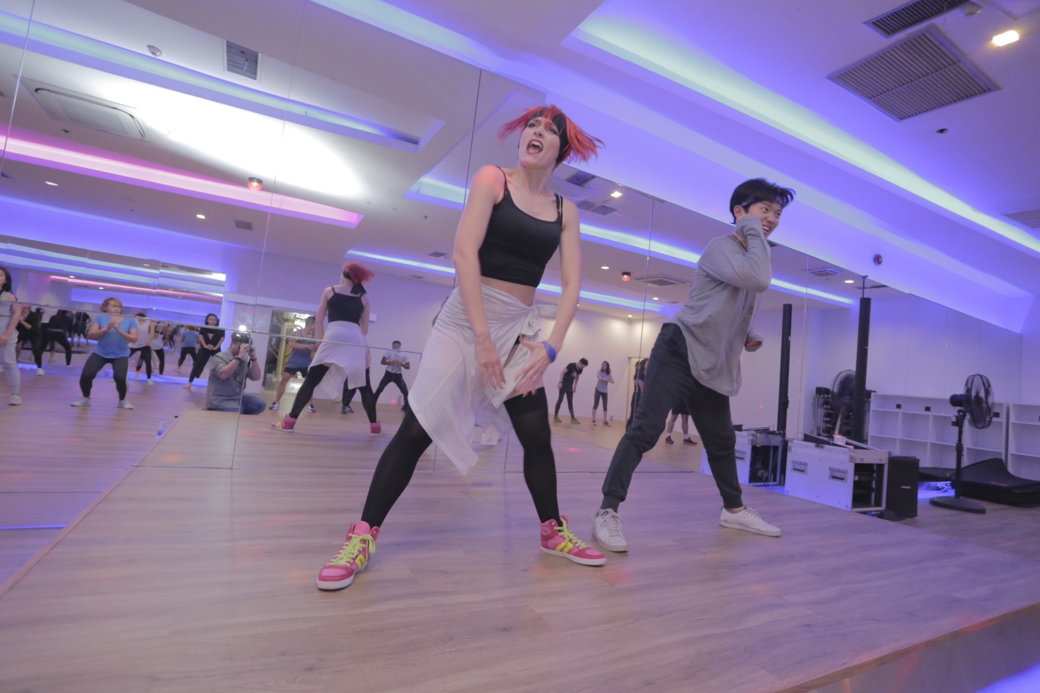 WE Fitness Society - WE Duo fit dance